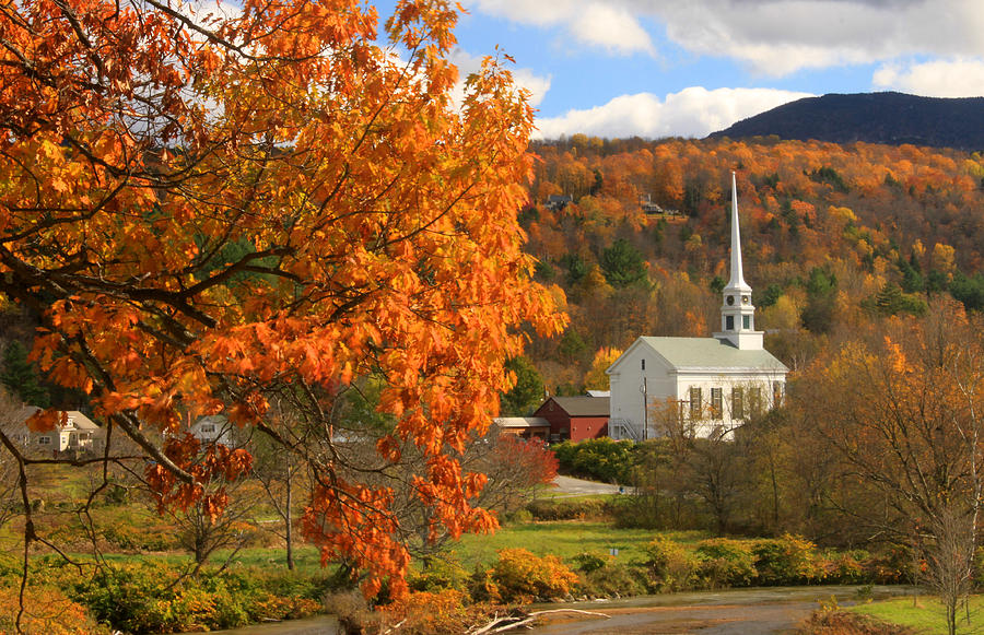 Stowe Vermont In Autumn Photograph By John Burk