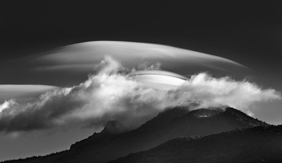Lenticular Cloud Formation  by Ken Barrett