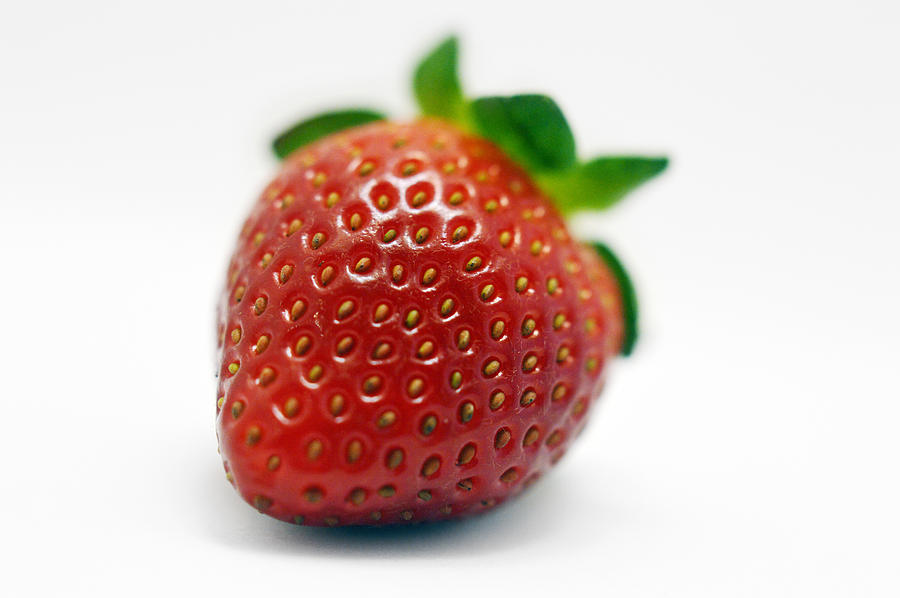 Strawberry Photograph - Strawberries 02 by Renato Nogueira Saltori
