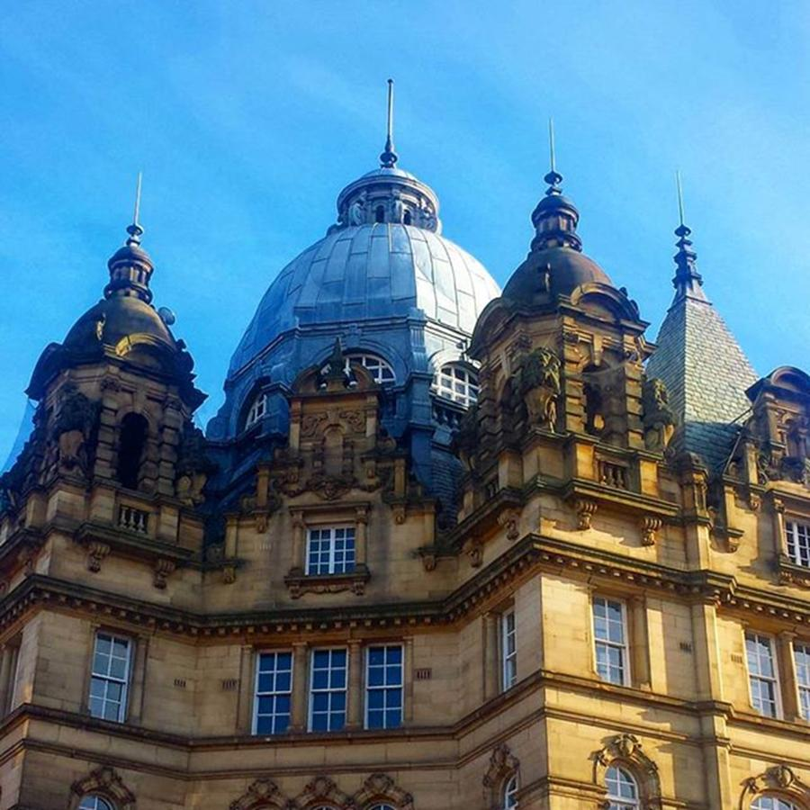 Leeds Photograph - Stunning Blue Sky In #leeds Today And by Dante Harker