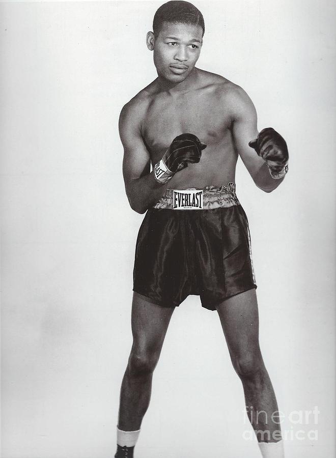 sugar ray robinson Buy signed sugar ray robinson boxing memorabilia and collectibles shop for  authentic autographed equipment, signed gloves, robes, photos, autographs,.