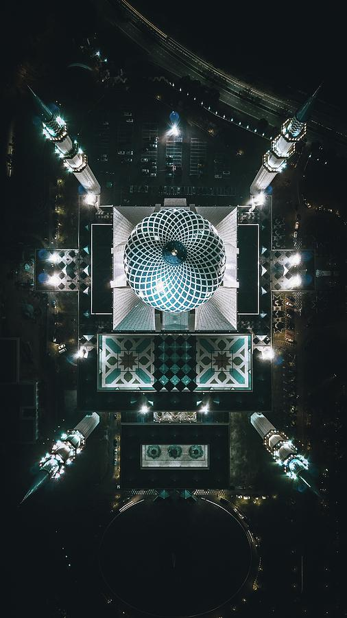 Mosque Photograph - Sultan Mosque by Izuddin Helmi Adnan