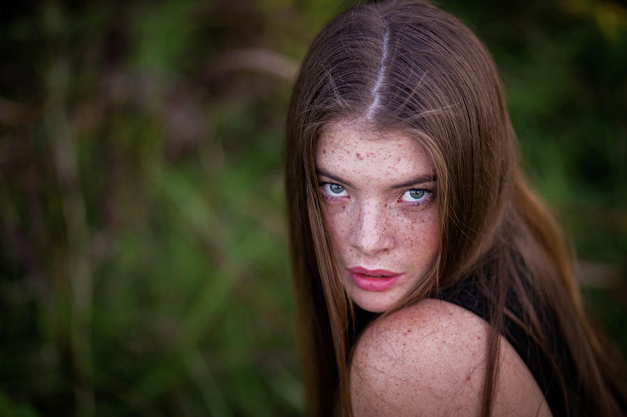 Girl Photograph - Sultry by Lisa Lemmons-Powers