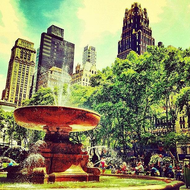 Nyc Photograph - Summer In Bryant Park by Luke Kingma