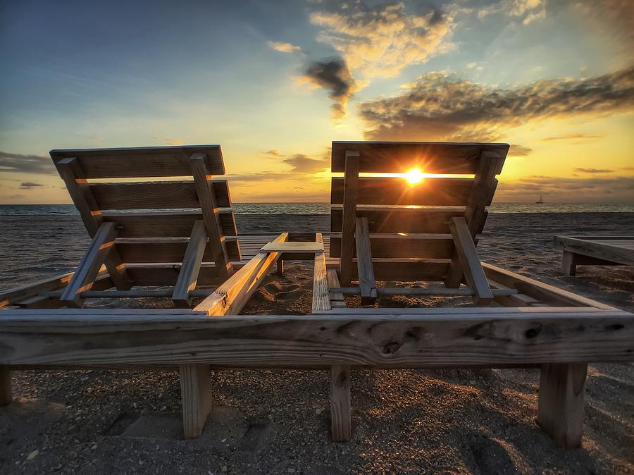 Sun Ray Lounge by Juan Montalvo