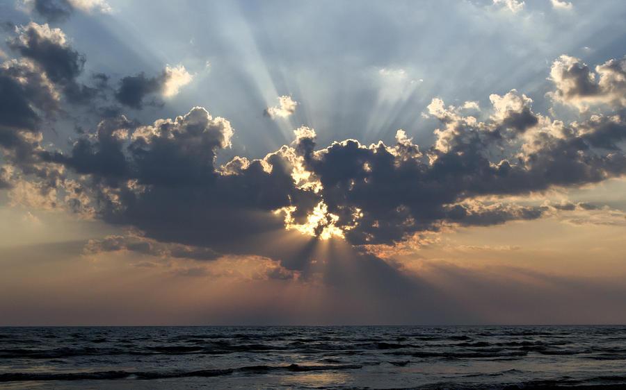 Sun Rays Photograph - Sun Rays by Peter Chilelli