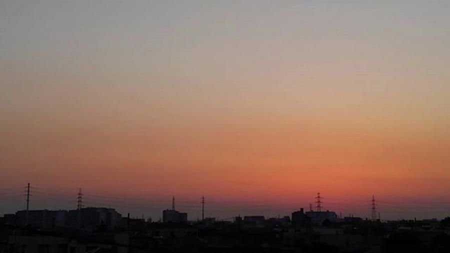 Sky Photograph - Sundown  by Kumiko Izumi
