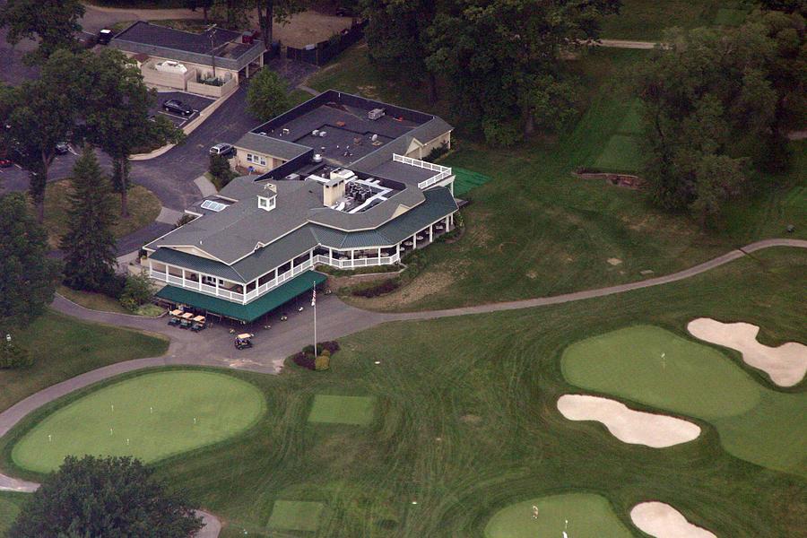 Golf Club Photograph - Sunnybrook Golf Club Clubhouse by Duncan Pearson