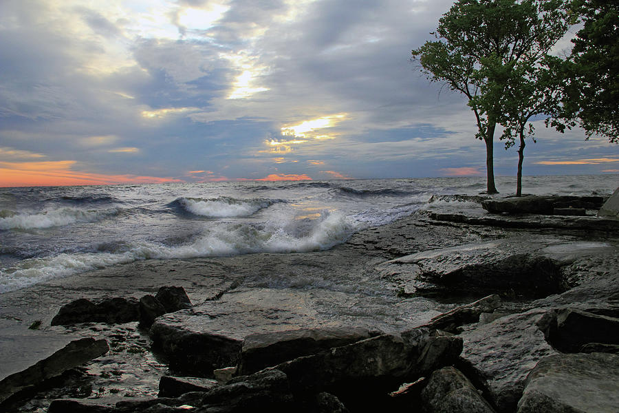 Lake Erie Photograph - Sunrise at Lake Erie by Angela Murdock