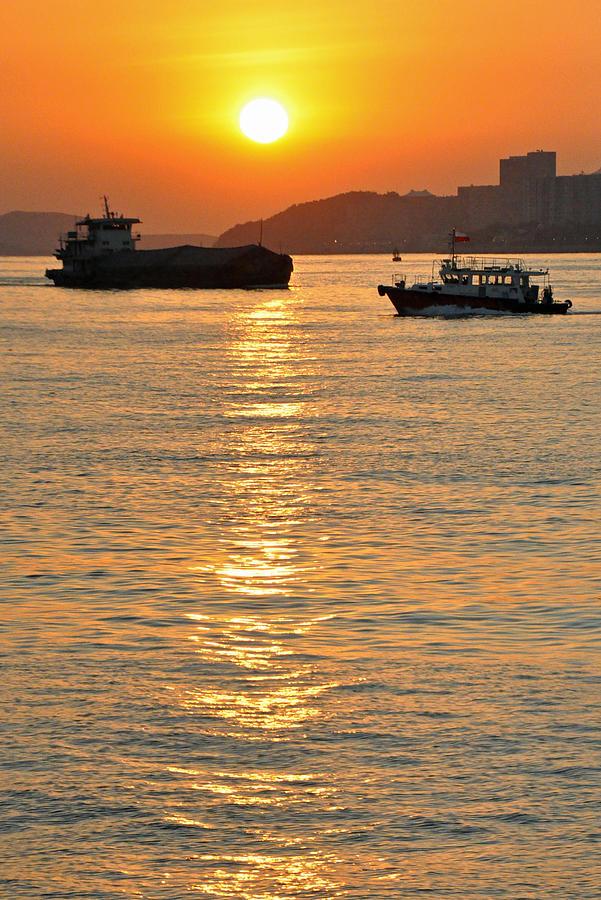Sunrise Photograph - Sunrise at Victoria Harbour by Caroline Reyes-Loughrey