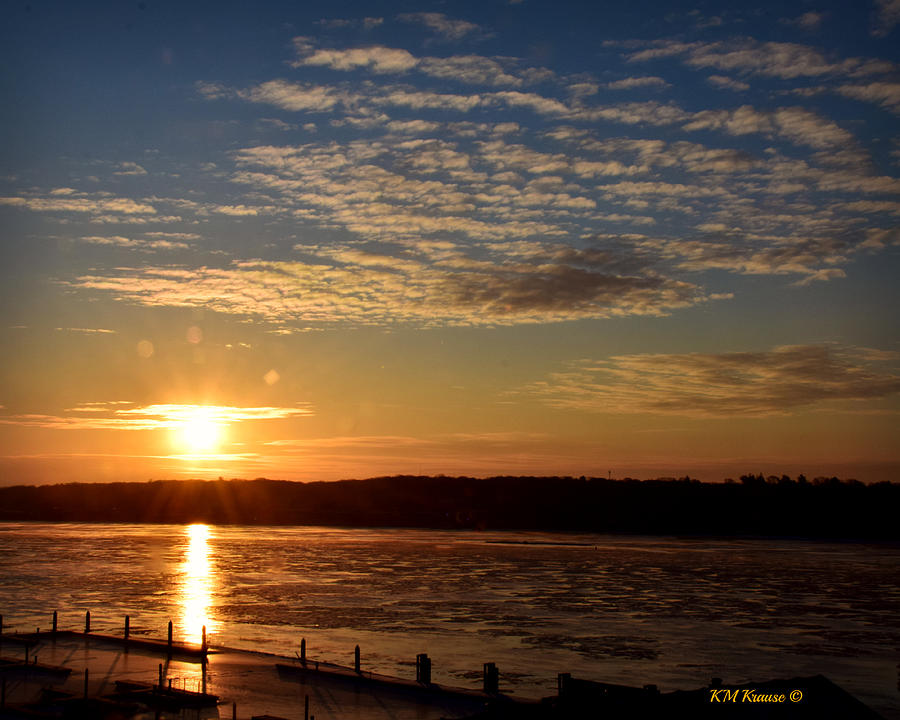 Quad Cities Photograph - Sunrise On The Mississippi by Kathy M Krause