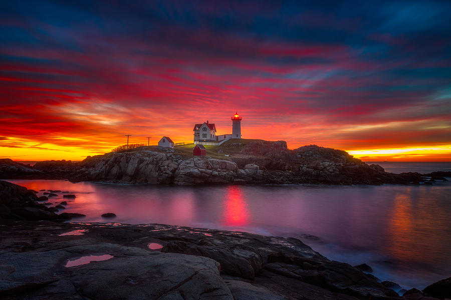 Sunrise Over Nubble Light Photograph By Darren White