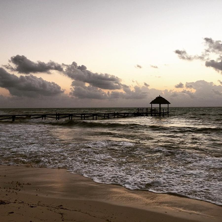 Sunrise Photograph - Sunrise, Solidaridad, Quintana Roo by Juan Silva