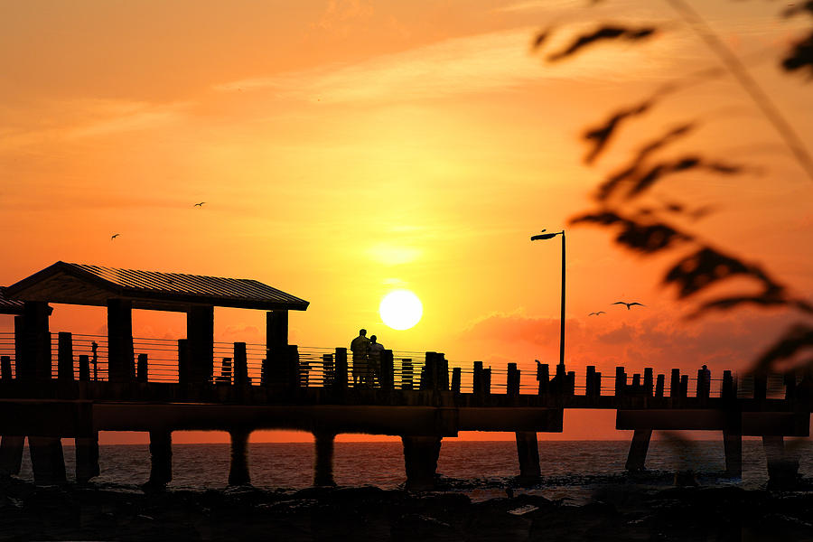 Sunset at fort de soto fishing pier pinellas county park for Fishing st petersburg fl