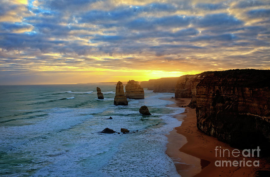 2016 Photograph - Sunset At The 12 Apostles by Franz Zarda