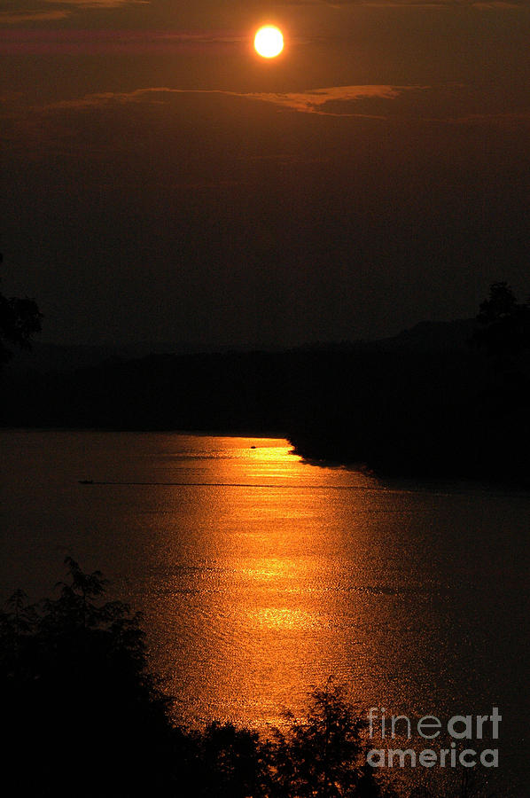 Sunset in Ohio by Robert  Suggs