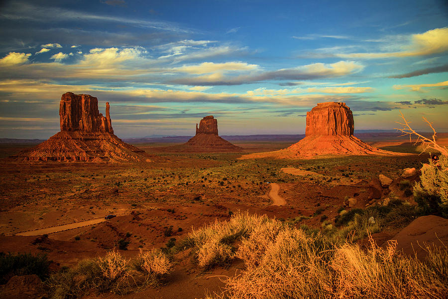 Sunset - Monument Valley by Levin Rodriguez