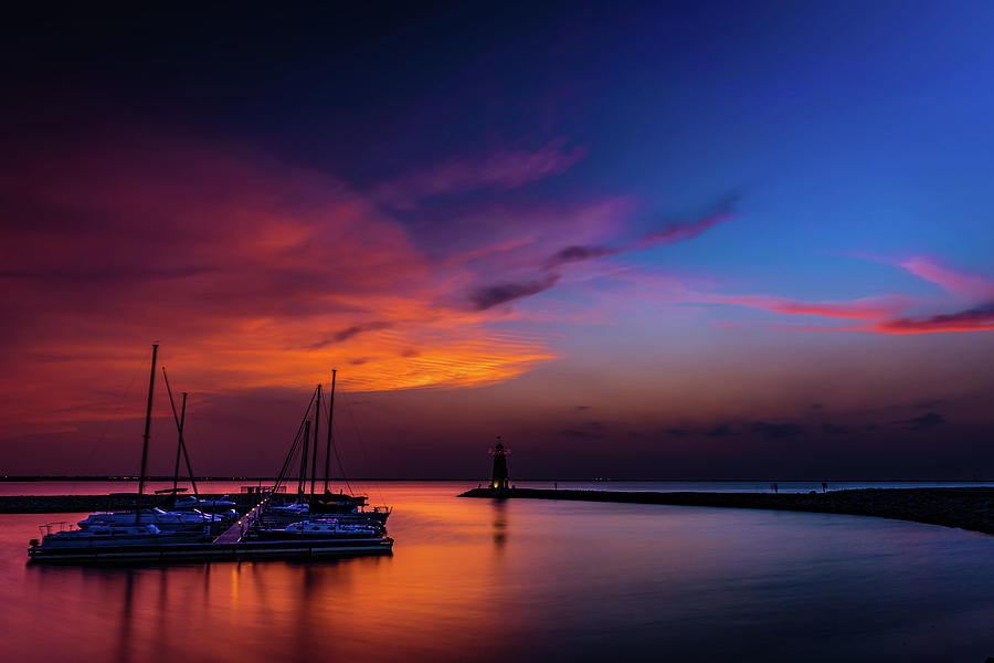 Sunset Photograph - Sunset on Lake Hefner #2 by Don Risi
