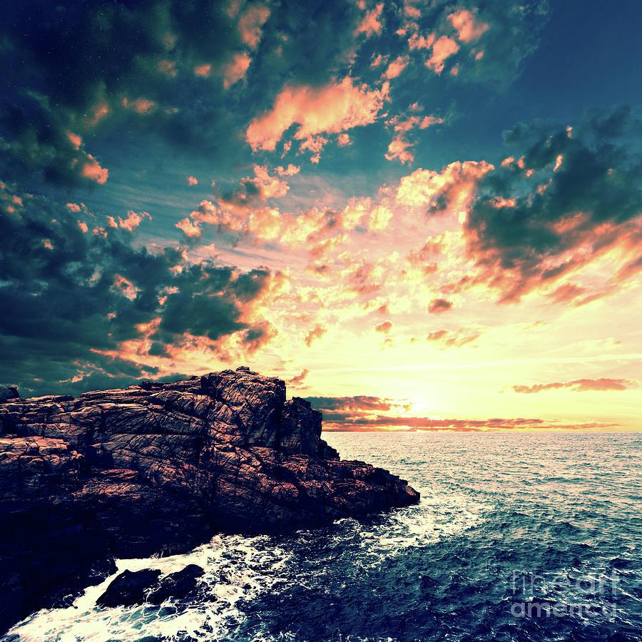 Sunset Digital Art - Sunset On The Horizon by Phil Perkins