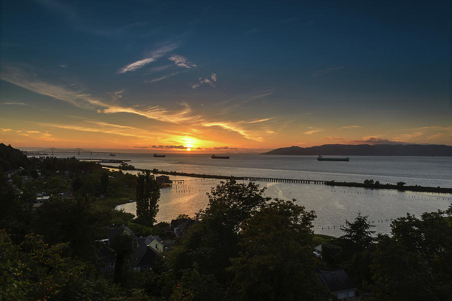 Columbia River Photograph - Sunset Over The Columbia River by Joe Hudspeth