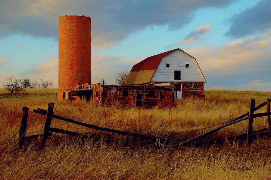 Sunset Silo Barn Photograph by Stephen Johnson