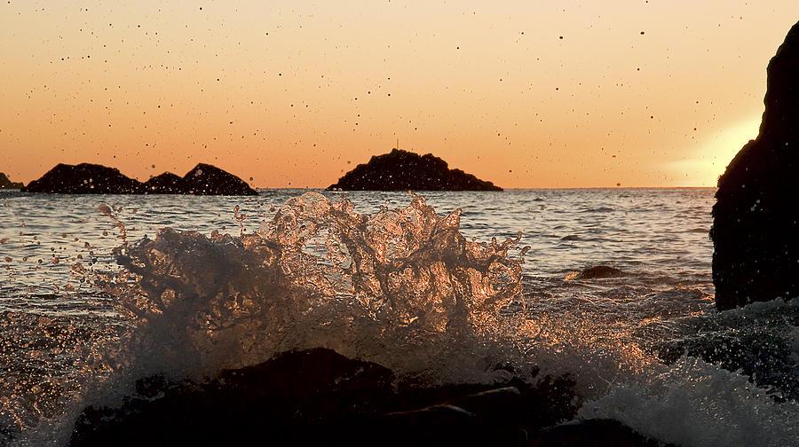Sunset Photograph - Sunset Wave by Gareth Davies