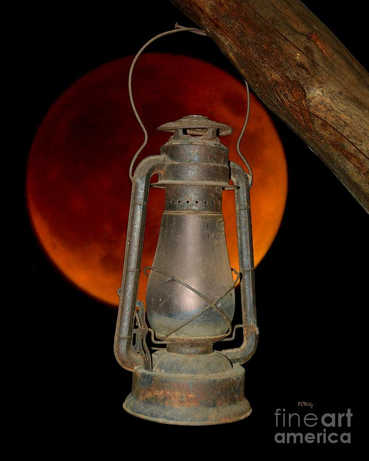 Eerie Light of an Eclipsed Super-Moon by Patrick Witz