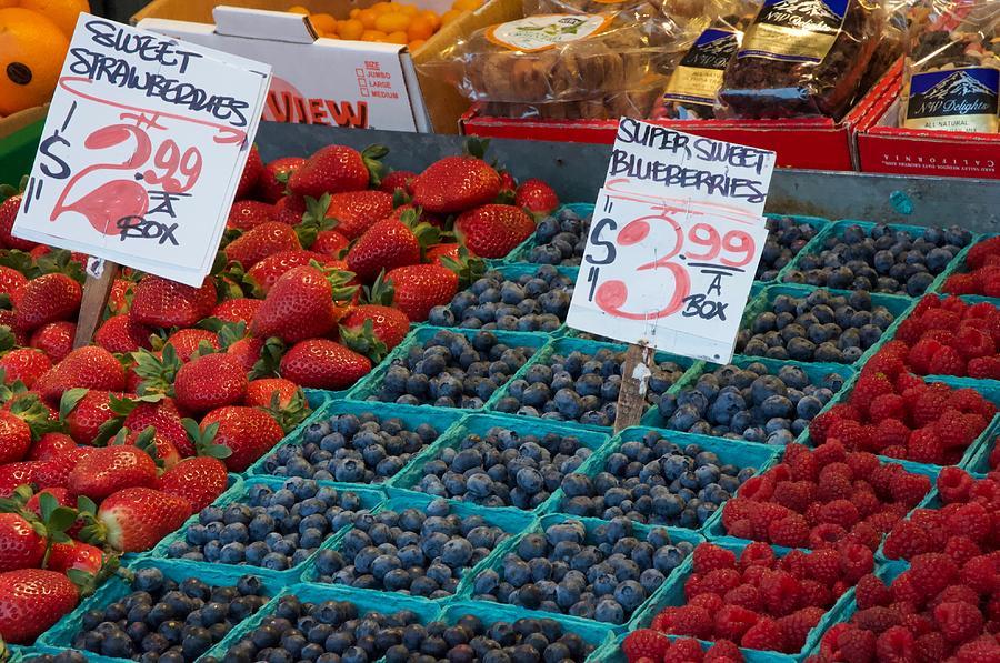 Super Sweet Blueberries by Vinnie Oakes