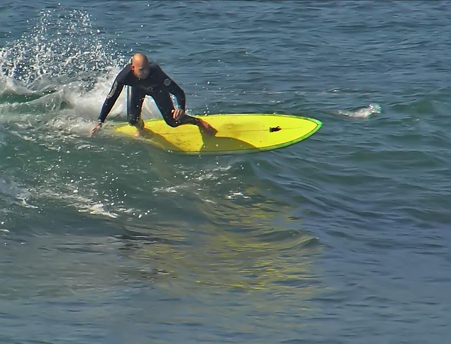 Surfin Photograph by Chuck Cannova