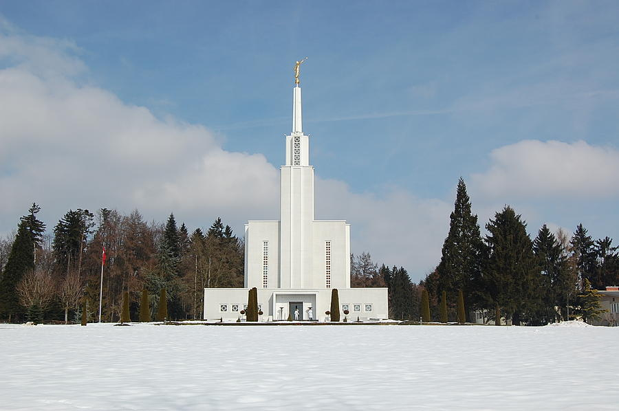 Temples Photograph - Swiss Temple by Leslie Thabes