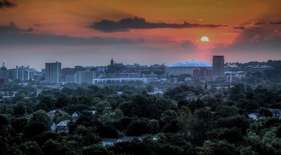 Syracuse Photograph - Syracuse Sunrise by Everet Regal