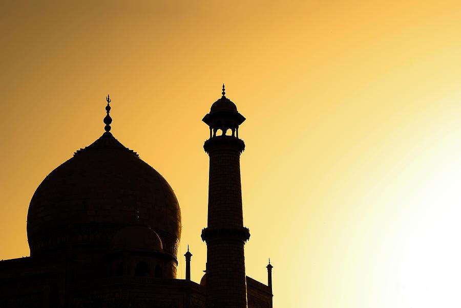 Horizontal Photograph - Taj Mahal At Sunset by Kokkai Ng