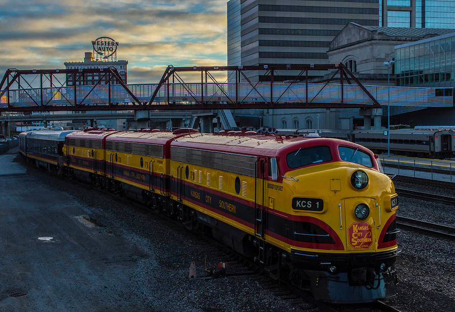 Kansas City Southern Photograph - Taking Care Of Business by Josh Spengler