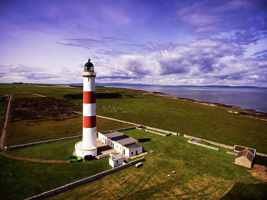 Tarbat Ness Lighthouse by Ian Good