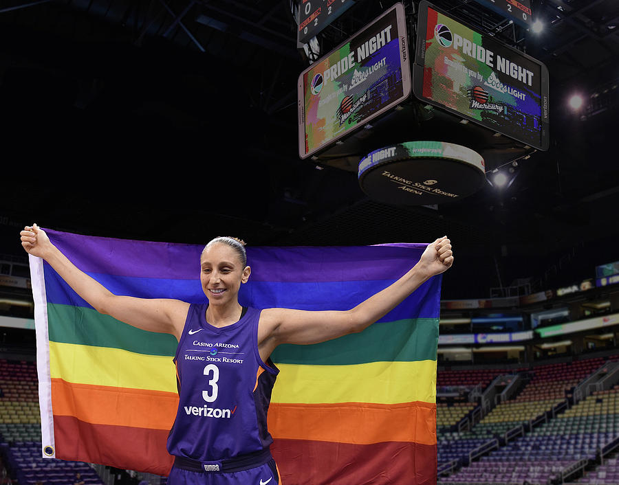 Diana Taurasi Photograph - Taurasi Pride 2 by Devin Millington