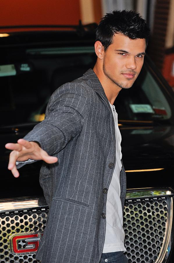 Taylor Lautner Photograph - Taylor Lautner, Leaves The Live With by Everett