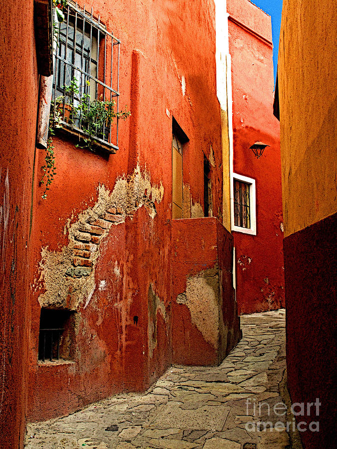 Darian Day Photograph - Terracotta Alley by Mexicolors Art Photography