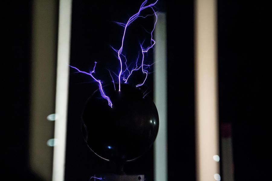 Tesla Coil 2 by Tyson Kinnison
