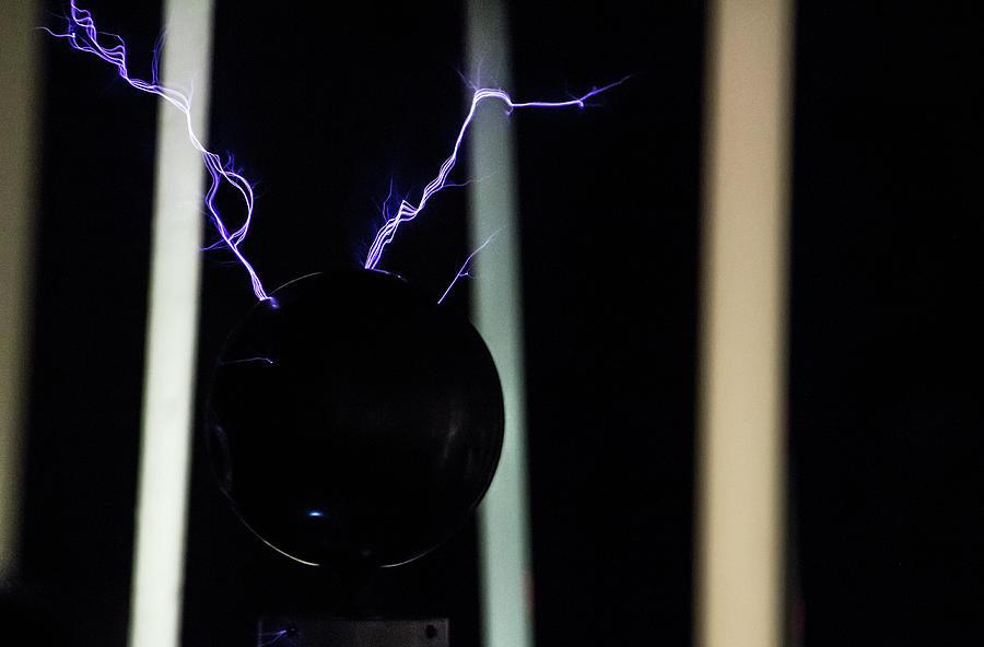 Tesla Coil 5 by Tyson Kinnison