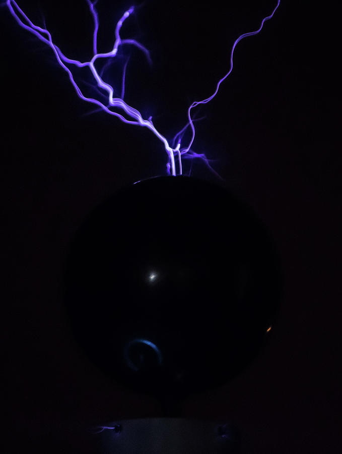 Tesla Coil by Tyson Kinnison