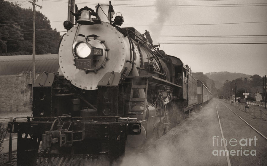 Trains Photograph - The 1702 At Dillsboro by Richard Rizzo