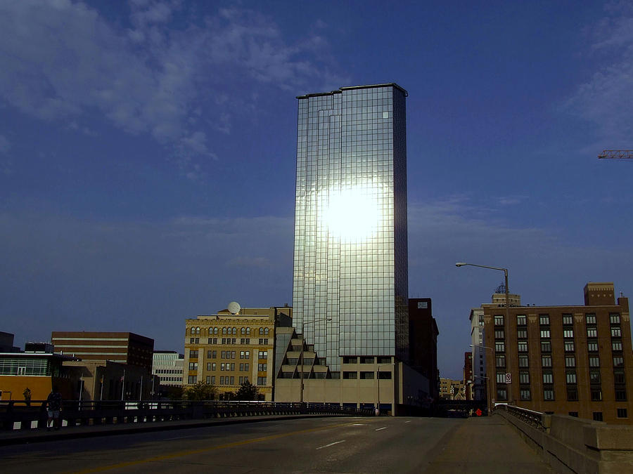 Rooms: The Amway Grand Plaza Hotel At Dusk Photograph By Richard