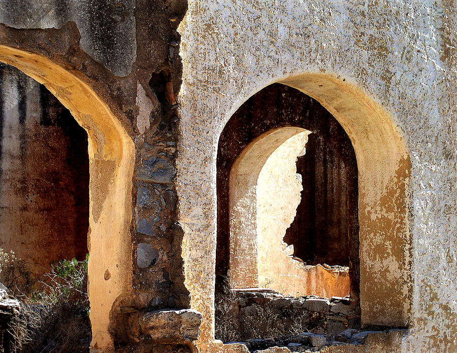 Ruins Photograph - The Arches Of San Pedro by Charlotte Bell