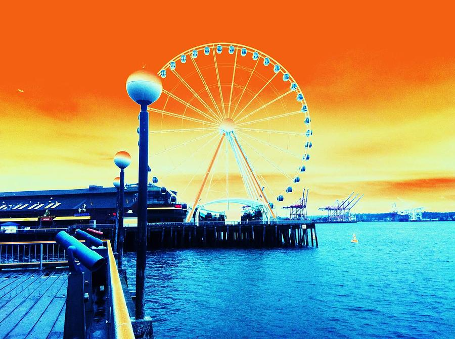 Seattle Photograph - The Big Wheel by Eddie G