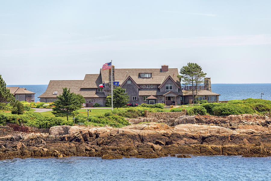 Walkers Point Photograph - The Bush Family Compound On Walkers Point by Brian MacLean