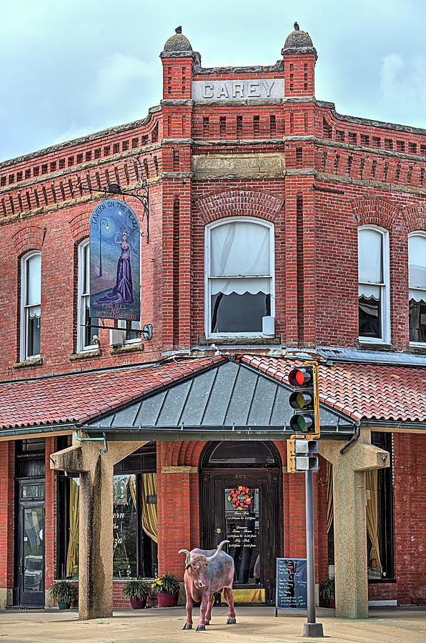 Coffeyville Photograph - The Carey Building by JC Findley