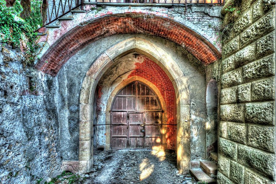 Castle Photograph - The Castle Door - La Porta Del Castello by Enrico Pelos