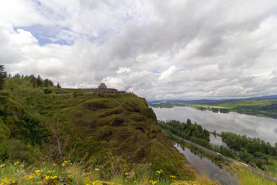 Vista House Photograph - The Crown by David Gn