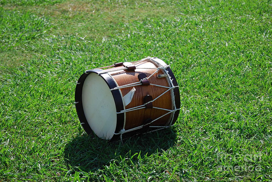 Drum Photograph - The Drum by Eric Liller