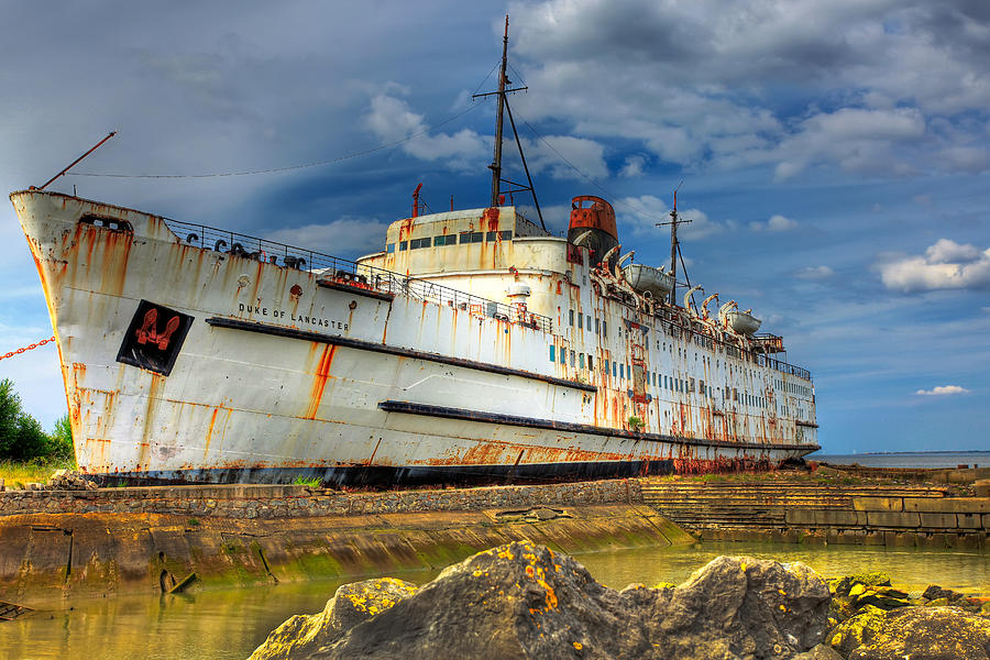 Hdr Photograph - The Duke by Adrian Evans